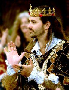 king-1073396_960_720